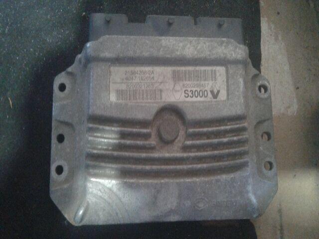 Használt RENAULT ESPACE IV 3.0 dCi (JK0E, JK0Y) Motorvezérlő egység / ECU / PCM modul Alkatrész