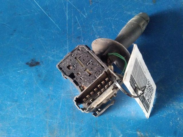 Használt RENAULT TWINGO II 1.2 16V (CN04, CN0A, CN0B) Kormánykapcsoló jobb (Ablaktörlő) Alkatrész