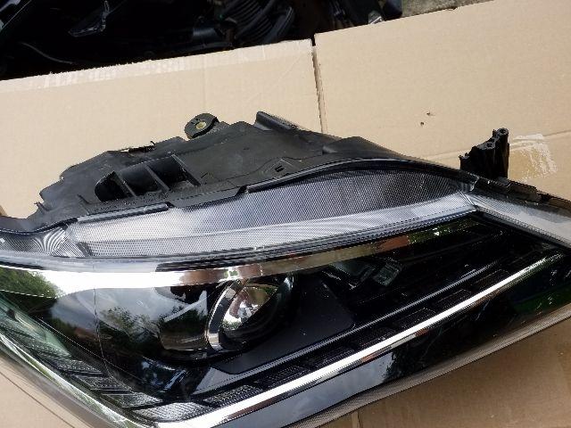 Használt SEAT IBIZA IV Jobb első LED fényszóró / első lámpa Alkatrész