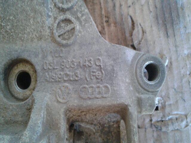 Használt VW CADDY Dizel 2.0 TDI Generátor bak Alkatrész
