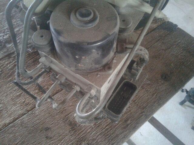 Használt VW GOLF III ABS kocka / ABS tömb / Blokkolásgátló vezérlő Alkatrész