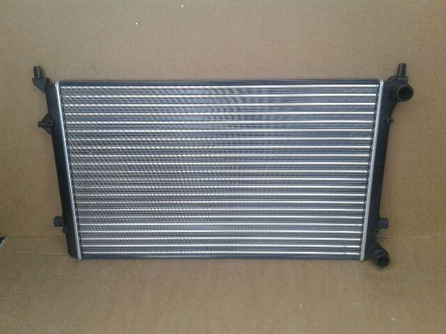 Használt VW GOLF V Vízhűtő radiátor (sima) Alkatrész