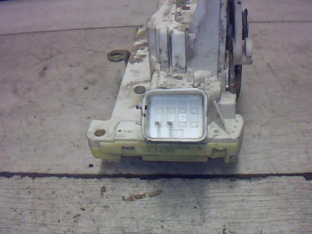 Használt xs41a26412 Jobb hátsó ajtózár / ajtó zárszerkezet Alkatrész